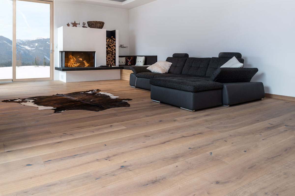 timbertown landhausdiele eiche astig small 5 wei ge lt parkett online shop timbertown. Black Bedroom Furniture Sets. Home Design Ideas
