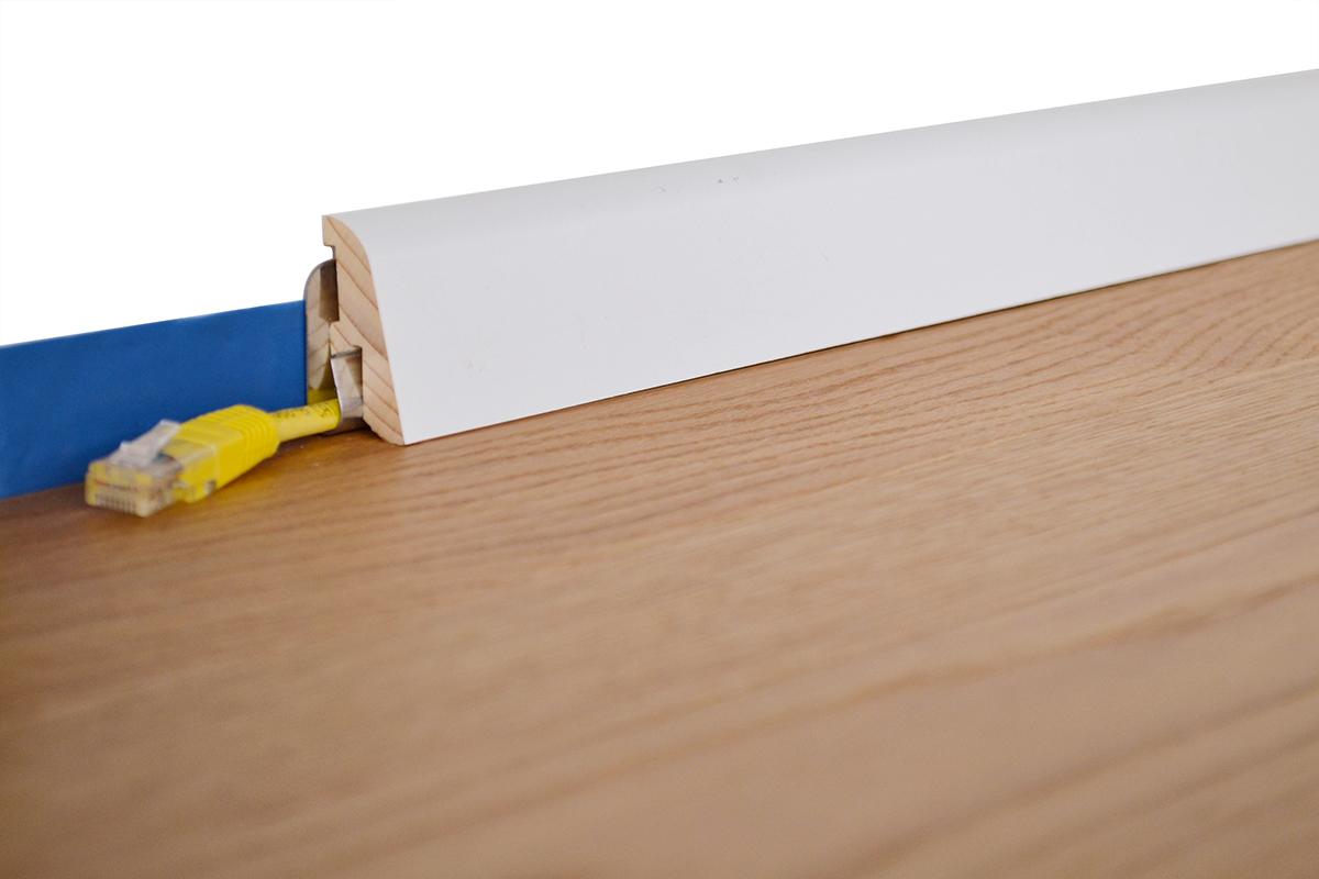 stuckleisten e15 sockelleiste wei parkett herzlich willkommen bei parkett und dichtung. Black Bedroom Furniture Sets. Home Design Ideas